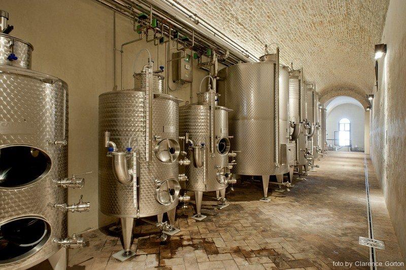 Illuminazione cantina vinicola dell' Abbazia di Praglia